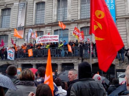 Les manifestants Grand'Place de LillePh. Kpénahi